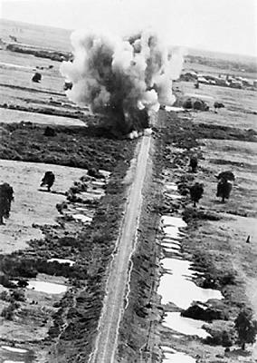 S426pxraf_aircraft_attack_bridges_o